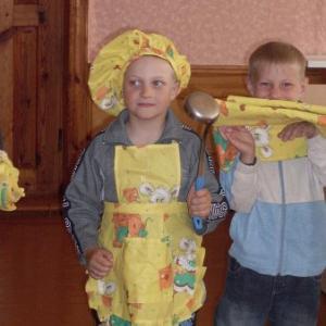 und Kochmützen für den Tischdienst hergestellt.